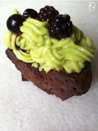 Matcha avocado and cacao cupcake http://wp.me/p3iY4S-P