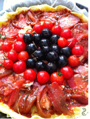 Candied tomatoes and grape with rosemary, a tart http://wp.me/p3iY4S-fS