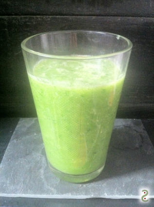 Green kale smoothie http://wp.me/p3iY4S-qX
