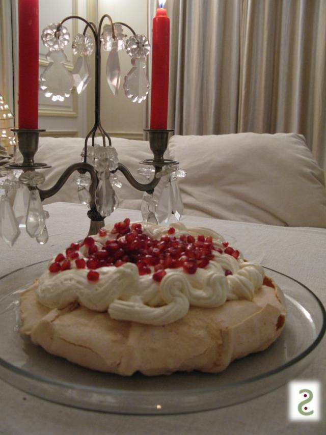 pavlova vanilla tonka pomegranate